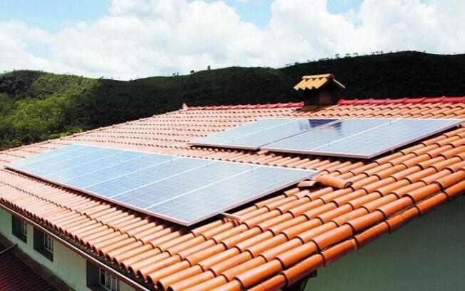 As fontes geradoras de energia solar, apesar do volume total de capacidade instalada menor, cresceu 577% de um ano para cá e alcançou a marca de 1.602 MW