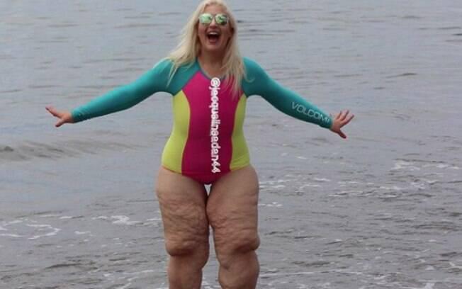 Jacqueline Adan usando maiô durante sua viagem ao México, depois de ter ficado muito tempo sem exibir seu corpo