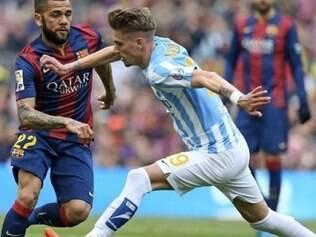 Daniel Alves deu um recuo ao goleiro muito curto e atacante Juanmi aproveitou a falha para marcar