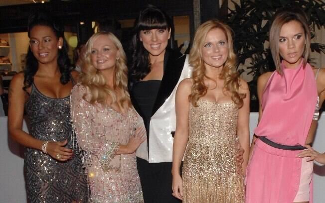 Com as garotas do Spice Girls, Victoria alcançou o estrelato
