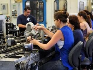 Em 2014, industria sofreu queda em produção e na geração de empregos