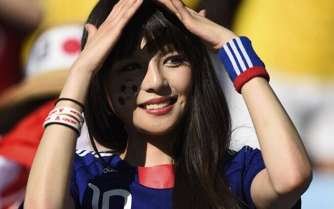 Resultado de imagem para torcedora do japão