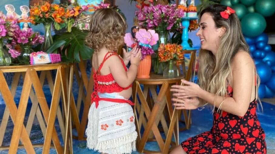 Tata Werneck celebra dois anos de Clara Maria com festa da 'Moana': 'Te amo'