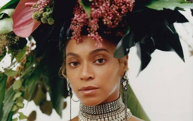 Beyoncé estrela capa histórica da Vogue