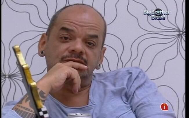 João Carvalho diz que não quer combinar votos mas elenca suas opções dentro da casa