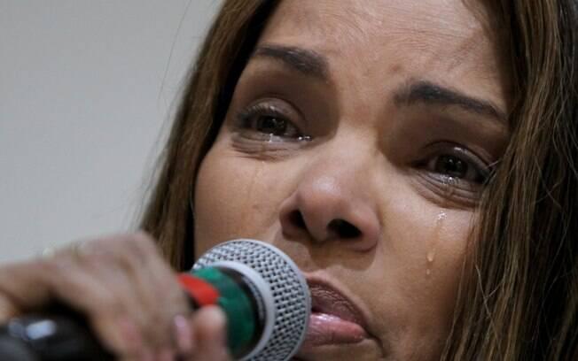Flordelis chorou durante entrevista