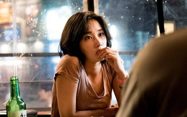 A personagem de Jong-Seo Jeon move a trama, mas ela não é a principal