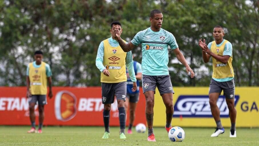 Fluminense volta a campo nesta terça para enfrentar a Chapecoense