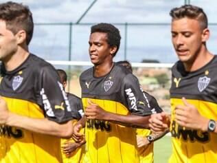 O atacante Jô se reapresentou ao Atlético nesta quarta-feira, e participou do primeiro treino de 2015