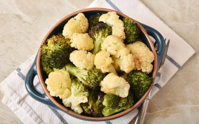 Você pode utilizar a couve-flor ou o brócolis para fazer a receita de falo arroz