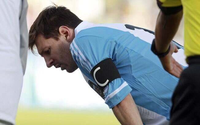 Messi passou mal durante partida contra a  Bolívia em La Paz