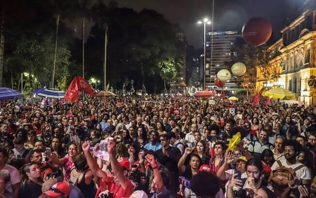 Manifestantes pedem liberdade para Lula em São Paulo e resolução do assassinato de Marielle Franco
