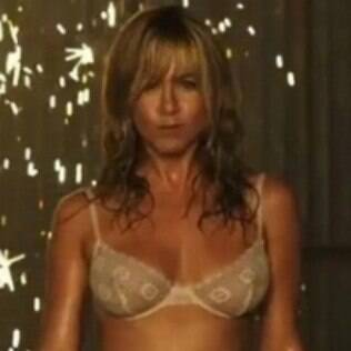 Jennifer Aniston mostra boa forma no filme