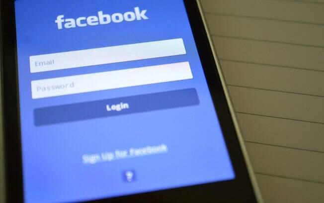 Nova opção de compartilhamento no Facebook Stories pode estimular surgimento de influenciadores digitais
