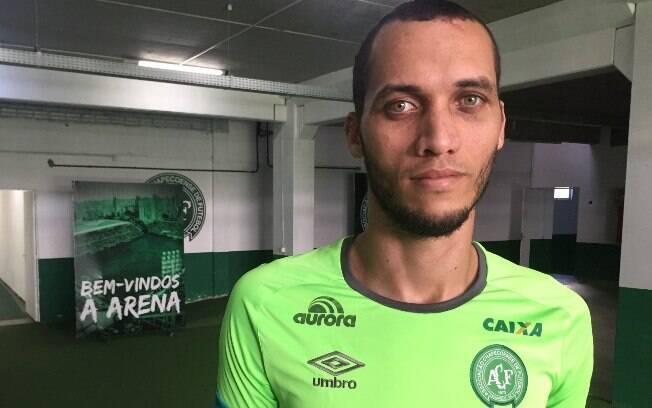 Zagueiro Neto segue em recuperação para voltar aos gramados em 2019