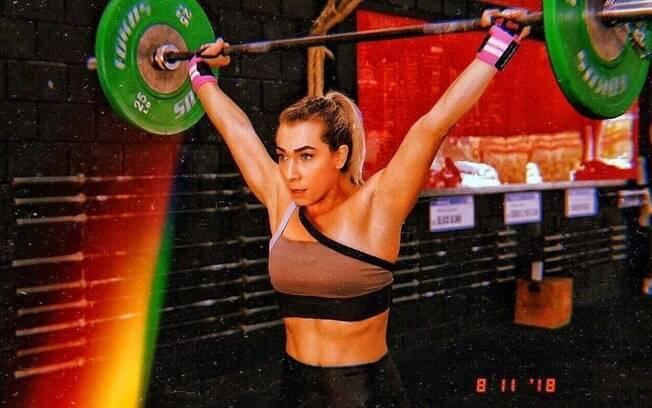 Naty não gosta de musculação, mas encontrou nos benefícios do crossfit uma forma de fortalecer o corpo