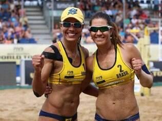Juliana e Maria Elisa lideram o ranking do Circuito Mundial com 6.240 pontos