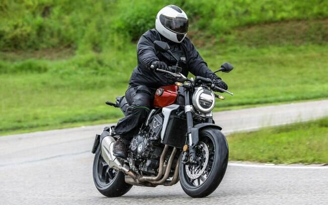 Seu visual retrô é bastante ousado e agrada os motociclistas exigentes