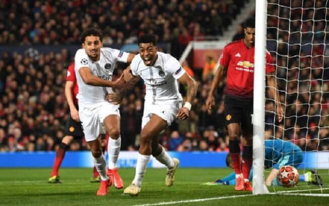 Kimpembe comemora primeiro gol do PSG no jogo de ida das oitavas de final, contra o United