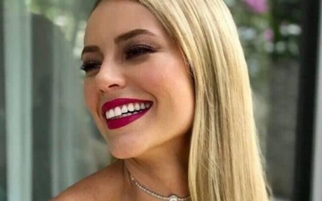 Caroline Paola Oliveira da Silva é a atriz Paolla Oliveira