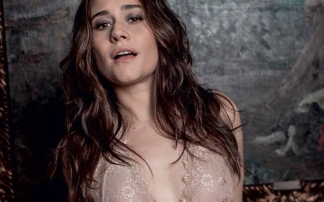 Confira os momentos de puro charme da atriz consagrada Alessandra Negrini