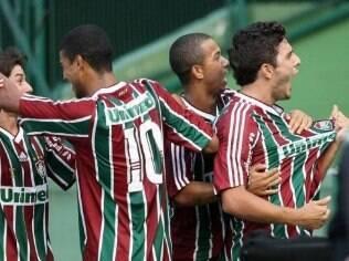 Jogadores do Fluminense comemoram gol de empate com o Coritiba que selou a permanência do clube na Série A de 2009