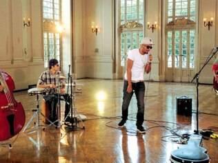 """Hip hop. No """"Globo Horizonte"""" de hoje, o rapper Renegado mostra algumas composições que estão no seu mais recente DVD, """"#SuaveaoVivo"""""""