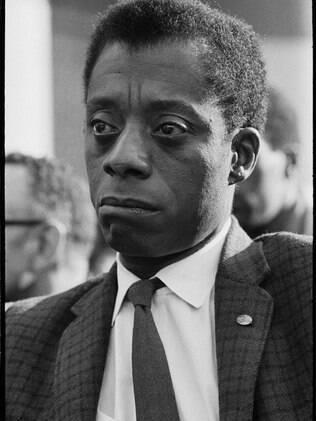 James Baldwin em cena do documentário