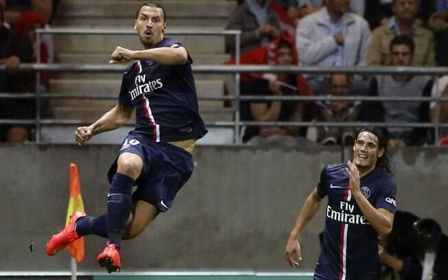 Ibrahimovic e Cavani: dupla poderia deixar o PSG, dando lugar ao francês Benzema