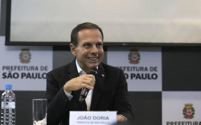 Fugindo de polêmicas, Doria lidera pesquisas em São Paulo