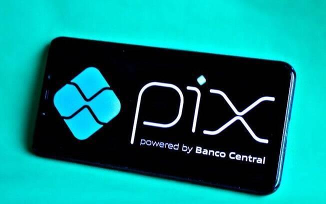 Pix aumenta satisfação dos clientes com bancos, afirma Bain