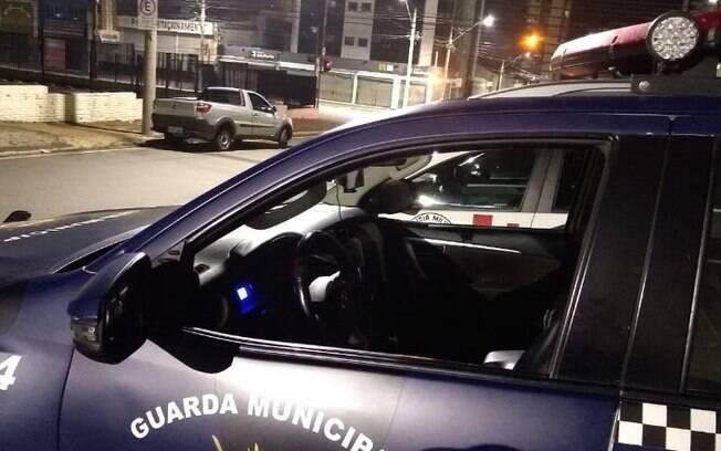 Casal é detido após confissão de roubo a residência no São Quirino, em Campinas