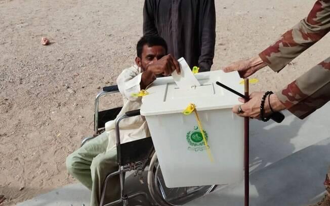 Esta eleição no Paquistão é a segunda na história do país e representa a maior etapa democrática da sua história