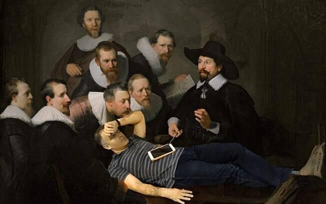 Tentaram remover cirurgicamente o celular dele.
