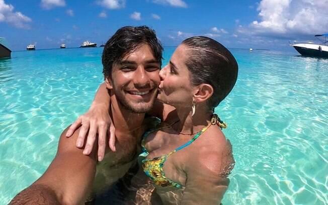 De férias com o marido, o ator Hugo Moura, Deborah Secco não deixa de compartilhar com os seguidores momentos da viagem