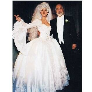 A cantora Céline Dion quis encarnar a princesa, mas exagerou