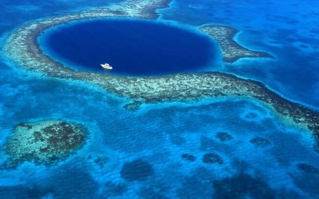 Belize City, em Belize, tem um local impressionante em que é possível fazer mergulho, mas precisa ter experiência