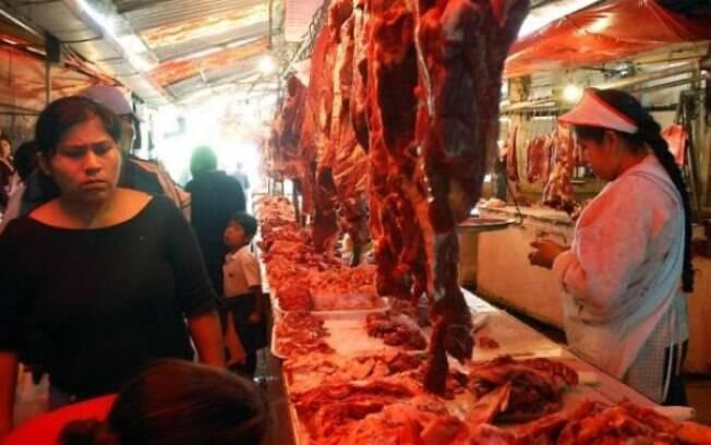 Após recuo da China, Egito e Chile também voltam a importar carne brasileira