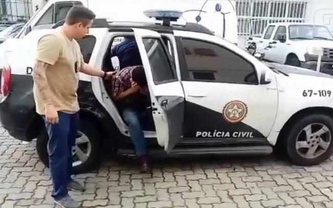 Policiais prendem engenheiro suspeito de pedofilia