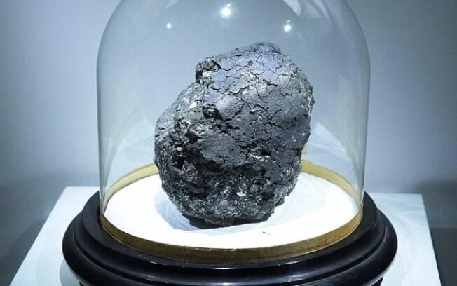 O meteorito Orgueil é uma verdadeira 'cápsula do tempo' para nos dar informações da época da formação do Sistema Solar