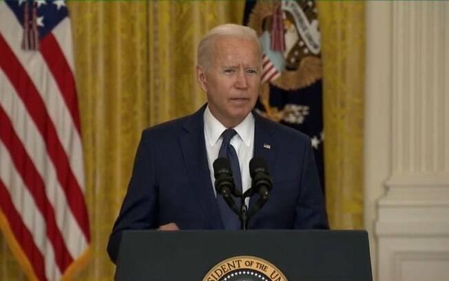 Biden sobre ataques do EI: 'Vamos caçar vocês e fazer com que paguem pelo que fizeram'