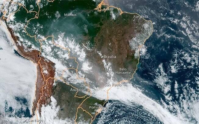 A nuvem de fumaça proveniente das queimadas na Amazônia pode ser vista do espaço.