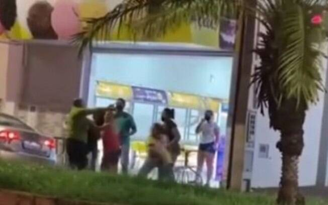 Candidato a vereador agride mulheres atendentes de sorveteria