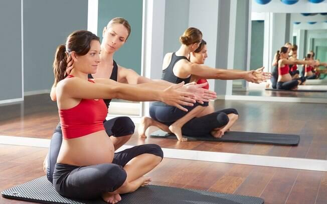 Os exercícios ajudam a diminuir os desconfortos da gravidez e contribuem para um parto e pós-parto mais fácil