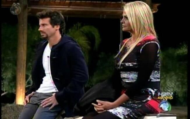 Marlon e Monique são interrogados antes das votações serem encerradas
