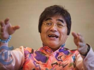 Comediante Yoshihiro Kariya cobra U$300 por ingresso de show que satiriza vida dos idosos