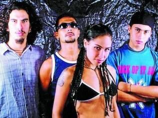 Pitty. De 1996, a demo da extinta Inkoma traz a cantora baiana com voz de adolescente, gritando repertório pesado de hardcore