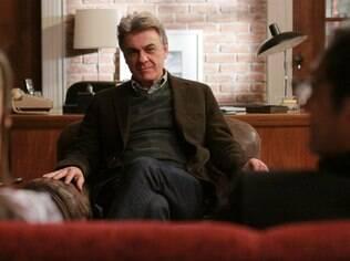 Zécarlos Machado interpreta o terapeuta Theo na nova série