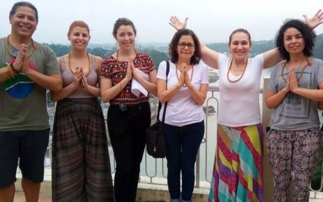 O turismo vegano consiste em promover a vivência vegana durante viagens; na foto, o grupo está na Índia