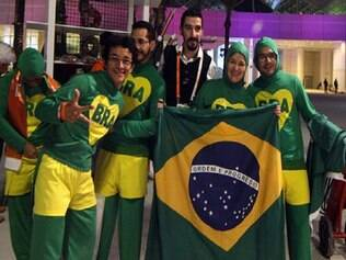 Torcedores fizeram festa na entrada da Arena Lusail, local do jogo entre as seleções do Brasil e do Catar